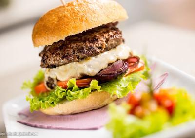 Bistro_CheStoria_burger